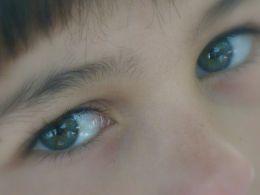 little-eyes
